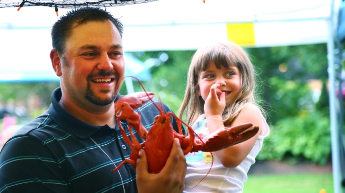 dad,girl,lobster